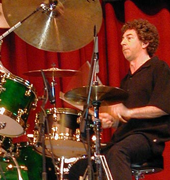 Simon Phillips : drums